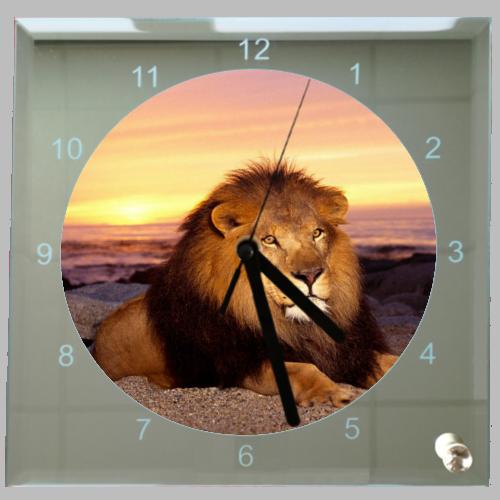 Vierkante klok liggende leeuw